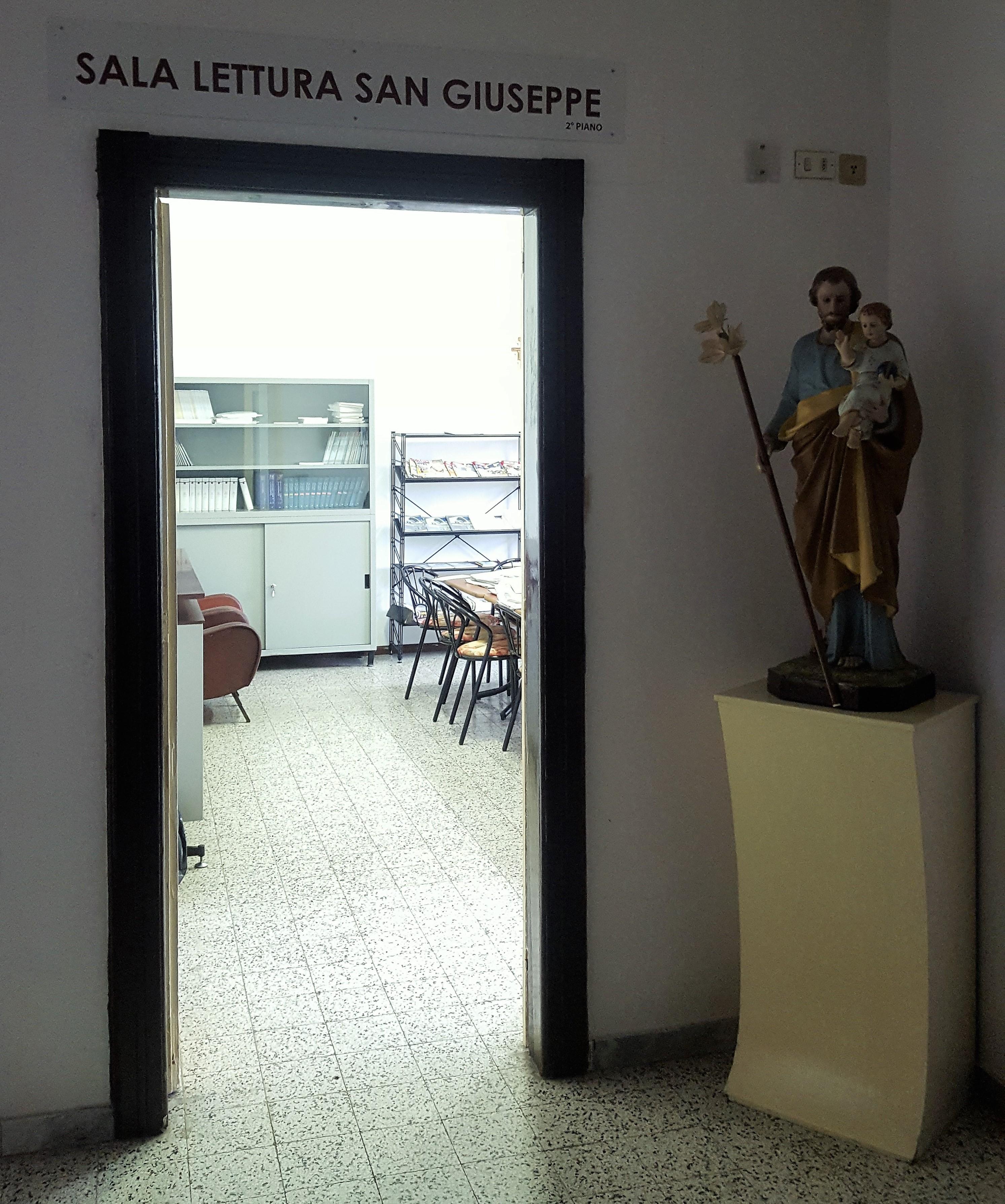 Ingresso Sala Lettura San Giuseppe.jpg